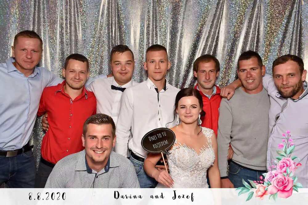 Fotenie pri fotobúdke - Fotokutik na svadbe - balón ba nán - Velké okuliare - rekvizitty na fotenie - Fotobox