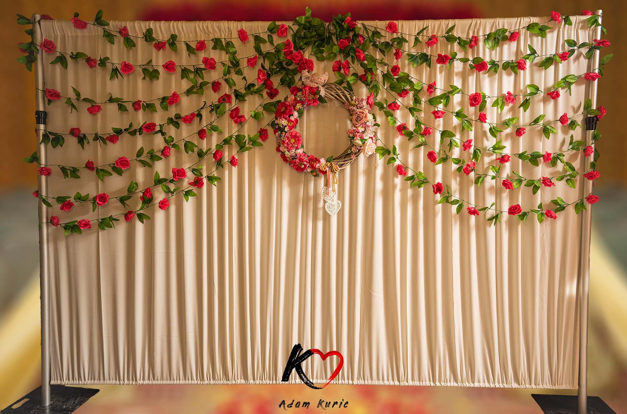 Fotostena na svadbu - kvetinová fotostena na svadbu
